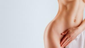 abdomen mujer en colores abdominoplastia